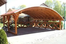 Carport mit Bogendach